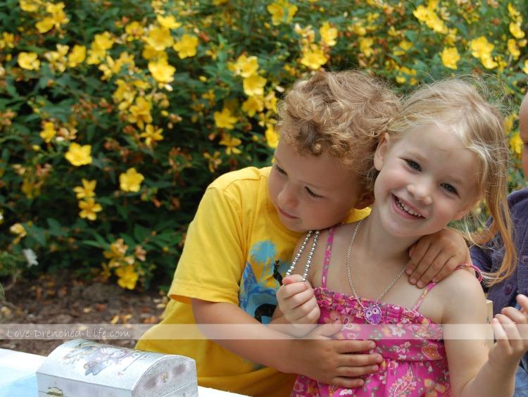 Anna and Ro lemon love