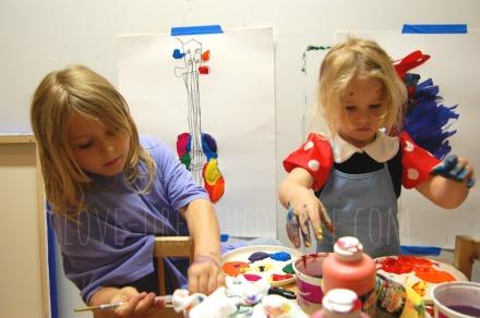 girls-creating