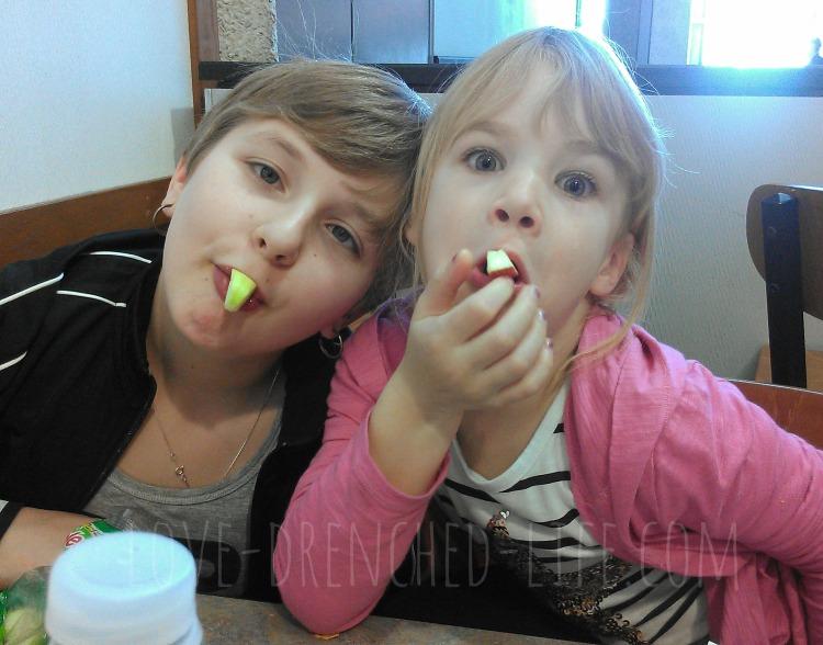 girls-apples